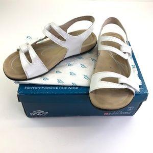 Womens ABEO Crescent Walking Sandals 9